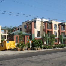 glendale-apartment-milgard-aluminum-bronze-windows
